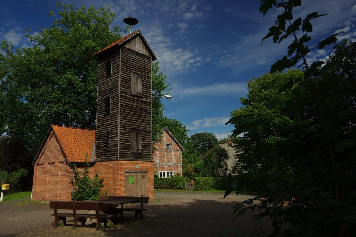 Jelmstorf Ortsmitte - Spritzenhaus